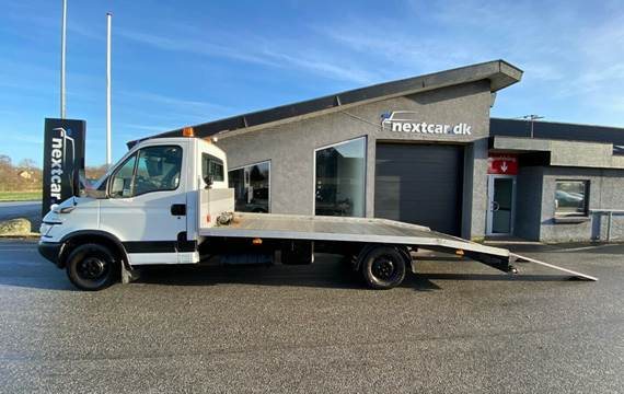 Iveco Daily 2,3 35S14 Autotransporter