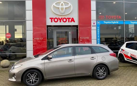 Toyota Auris Valvematic T2 Premium  5d 6g 1,6