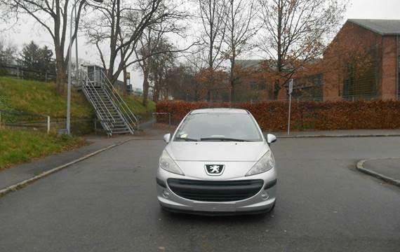 Peugeot 207 1,6 HDi XR+