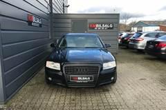 Audi A8 4,2 335 quattro Tiptr.