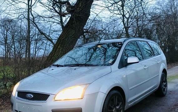 Ford Focus 1,6 TDCi 109 Ghia stc.