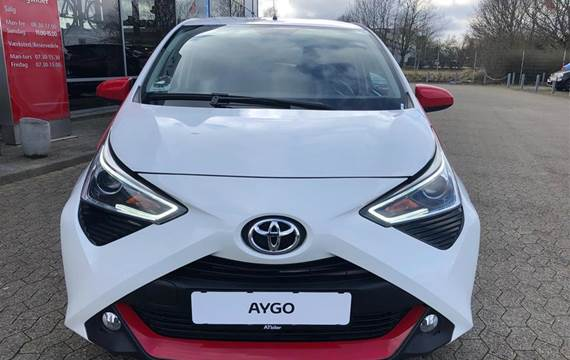 Toyota Aygo 1,0 VVT-I X-Cellence + Connect  5d