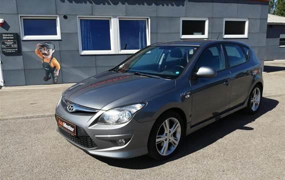 Hyundai i30 1,6 CRDI 90 FL  5d