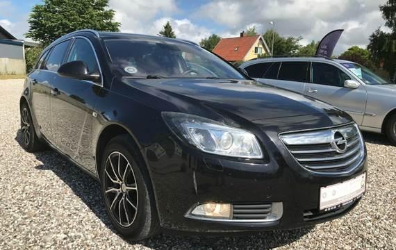 Opel Insignia 2,0 T 220 Cosmo ST