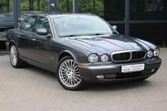Jaguar XJ8 3,5 Deluxe aut.