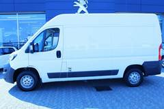 Peugeot Boxer 330 2,0 BlueHDi 130 L2H2 Premium