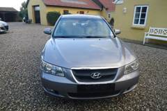 Hyundai Sonata 2,4 Person bil