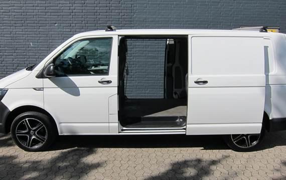 VW Transporter 2,0 TDi 150 Kassevogn lang