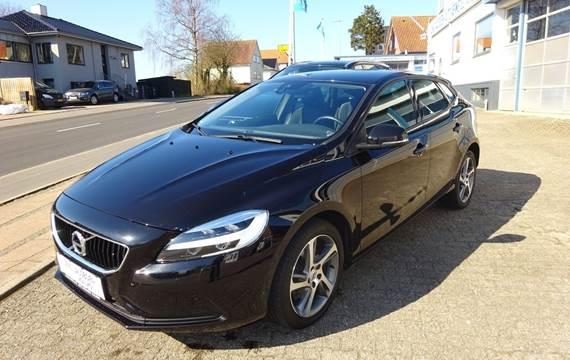 Volvo V40 2,0 T2 122 Momentum