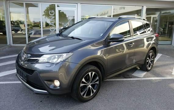 Toyota RAV4 2,2 D-4D 150 T2+ 4x4 Van