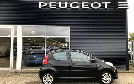 Peugeot 107 1,0 12V Urban  5d