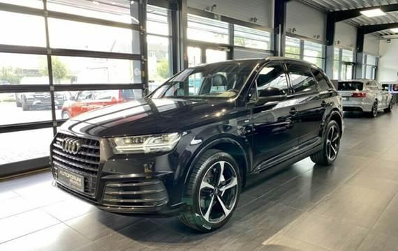 Audi Q7 3,0 TDI S-LINE *7 PERS*