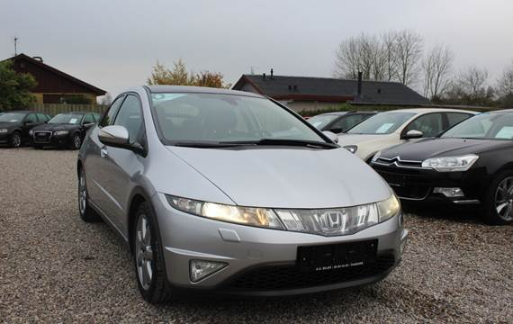Honda Civic 1,8 Executive