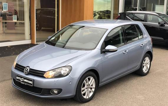 VW Golf 1,6 BlueMotion TDI DPF Highline  5d