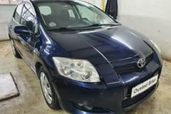 Toyota Auris 2,0 D-4D Luna+