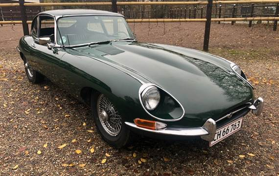 Jaguar E-Type 4,2 2+2