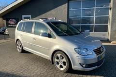 VW Touran Cross 2,0 TDi 140 DSG Van