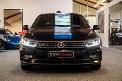 VW Passat 2,0 TDi 240 R-line Variant DSG 4M