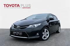 Toyota Auris 2,0 D-4D DPF T3  5d 6g