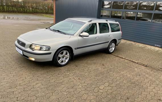 Volvo V70 2,4 T Business