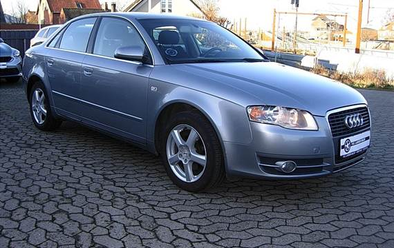 Audi A4 102, 4d