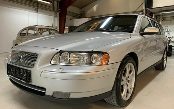 Volvo V70 2,4 140 Momentum aut.