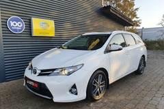 Toyota Auris 1,4 D-4D T2 Premium Touring Sports