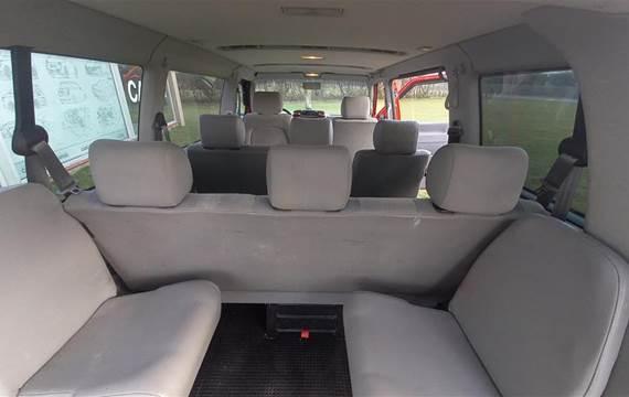 VW Caravelle 2,5 Kort 2,5 TDI Comfortline m/Airbag m/ABS 102HK