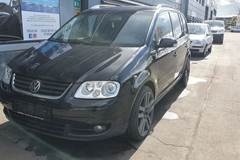VW Touran 2,0 TDi 136 Highline DSG Van