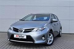 Toyota Auris 1,6 Valvematic T2+  5d 6g