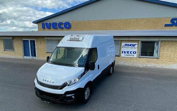 Iveco Daily 2,3 35S12 10,8m³ Van AG8