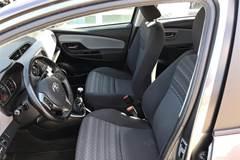 Toyota Yaris 1,3 VVT-I Pure  5d 6g