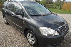 Toyota Avensis Verso 2,0 7 Personers