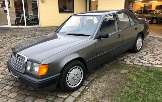 Mercedes 200 2,0 4-dørs sedan