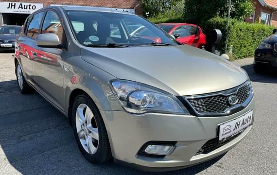 Kia Ceed 1,6 CRDi 90 Premium ECO