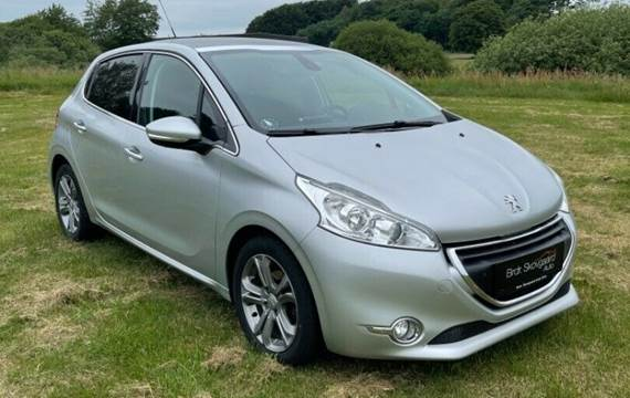 Peugeot 208 1,2 VTi Allure Sky
