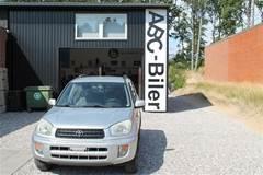 Toyota RAV4 1,8 4x2 125HK Van
