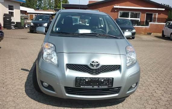 Toyota Yaris 1,3 VVT-I T2 M/M 100HK 5d 6g Aut.