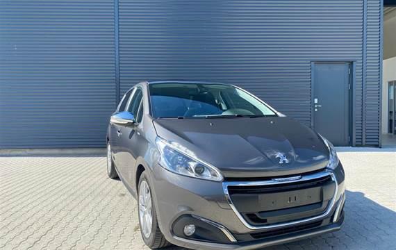 Peugeot 208 1,2 VTi Style  5d