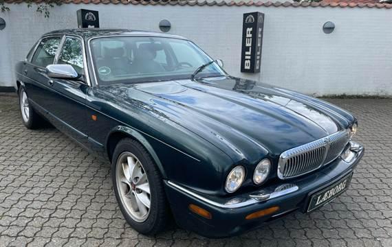 Daimler V8 4,0 aut.