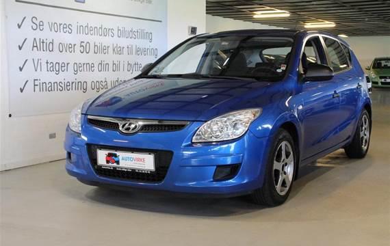 Hyundai i30 1,6 CRDi Comfort  5d