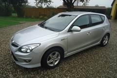 Hyundai i30 1,6 Person bil
