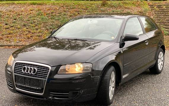 Audi A3 1,6 Attraction