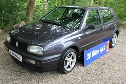 VW Golf 1,8 GL  5d
