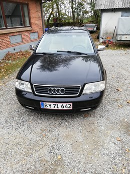 Audi A6 2,4 Sedan 2,4 v6 benzin