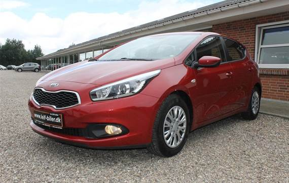 Kia Ceed CVVT Premium  5d 6g 1,4