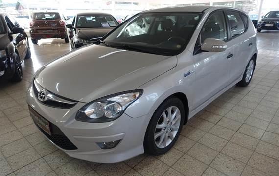 Hyundai i30 1,6 CRDi Comfort BlueDrive  5d 6g