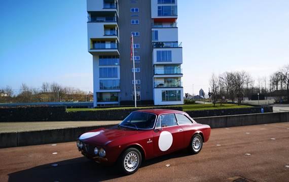 Alfa Romeo 2000 GT 2,0 Veloce
