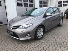 Toyota Auris 2,0 D-4D T2+