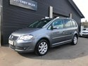 VW Touran 2,0 TDi 140 Highline DSG